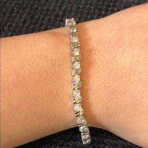 Jewelry - Women's tennis bracelet